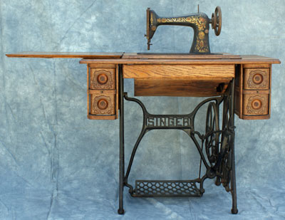[Singer Model 66 Sewing Machine]